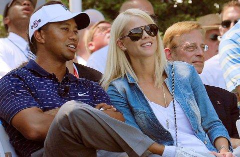Tiger Woods og Elin Nordegren hadde tilsynelatende et perfekt ekteskap. Men så kom utroskapsskandalen som sjokkerte en hel verden - inkludert parets venner. Her er de avbildet i 2009, kort tid før de første avsløringene kom.