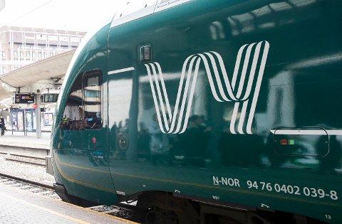 Vy kan få kjøre tog i Oslo-området de neste ti årene – om Sp, Ap og SV får det som de vil. Arkivfoto: Berit Roald / NTB