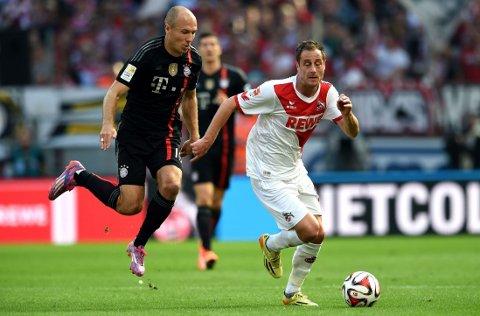 STRAFFE(T): Arjen Robben mener dommerne straffer han ved å droppe å blåse straffespark når han blir felt.