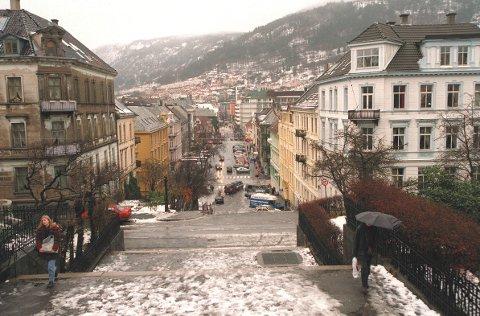 KULDE: Slår værvarselet til, og luftforurensingen blir høy, vil det koste bilistene i Bergen.