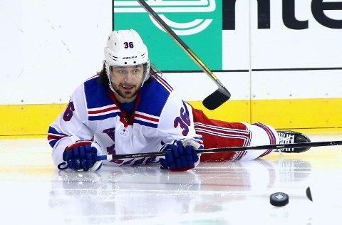 MAGEPLASK: New York Rangers og Mats Zuccarello måtte se en solid statistikk ryke mot nattens motstander i NHL.