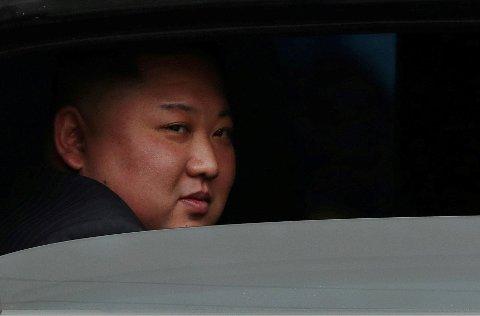 PÅ PLASS I VIETNAM: Nord Koreas leder Kim Jong Un ankom Vietnam med tog fra Kina der han satte seg i en Mercedes og kjørte til Hanoi.