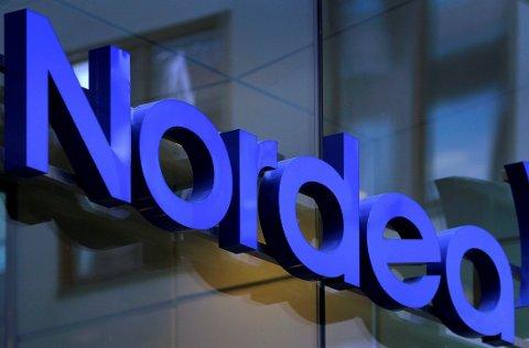 RENTEHEVING: Nordea følger DNB og setter opp renta etter at Norges Bank hevet styringsrenta 20. juni. REUTERS/Bob Strong/File Photo