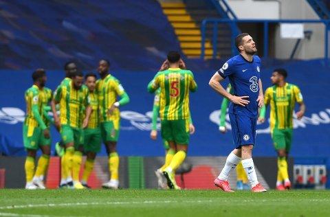 MARERITT: Mateo Kovacic og Chelseas klarte aldri å sy sammen forsvaret igjen etter Thiago Silvas røde kort. Det ga til slutt et ydmykende tap mot West Brromwich.