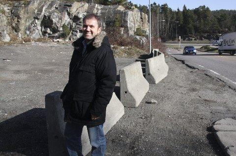ØNSKER SEG SIGNALBYGG: – På denne tomten bør det bygges en politihøgskole som kan være en inngangsport til Oslo og som er synlig fra E6, mener Ståle Hagen (H).