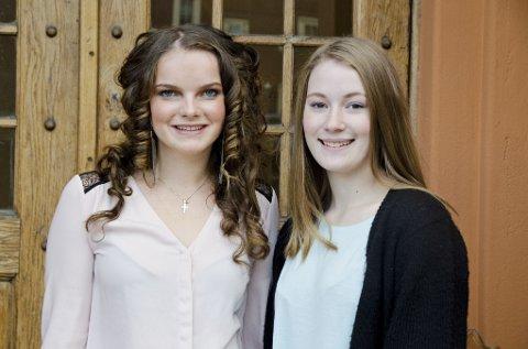 FORVENTNINGSPRESS: Oda Kristine Næss Galaaen (t.v.) og Hanne Viklund går på Kongsbakken videregående skole. Begge 17-åringene sier de kjenner seg igjen i presset om å være best.