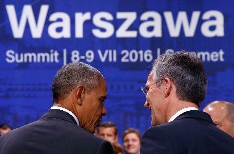 TRUSSEL I SØR: - Vi vil snart sende et lag til Bagdad for å begynne å planlegge, gi strategiske råd og gi støtte til reformer i sikkerhetssektoren, sa NATOs generalsekretær Jens Stoltenberg. Her er han sammen med USAs president Barack Obama.