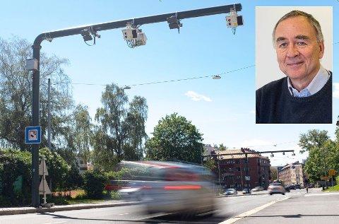 DÅRLIG FORSLAG: Transportøkonomisk Institutt og forsker Lasse Fridstrøm vil flytte bomstasjonene inn i hver bil, og gjøre det 25 ganger dyrere å kjøre til jobb i byen enn i distriktet.
