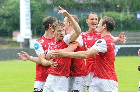 Joacim Holtan (midten) scoret ikke mot Egersund sist, men han har scoret seks mål på de fem første kampene i 2. divisjon. Foto: Tarjei Sel, Jærbladet