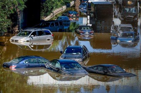 EKSTREMVÆR: Flere biler står under vann i Brooklyn i New York etter at området ble rammet av ekstremvær i september måned.