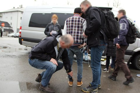 PÅGREPET: Denne mannen ble torsdag pågrepet på Stockholm-toget da han kom ulovlig til Norge. Ifølge politiet hadde mannen tidligere søkt asyl i Sverige, og han vil bli returnert dit.