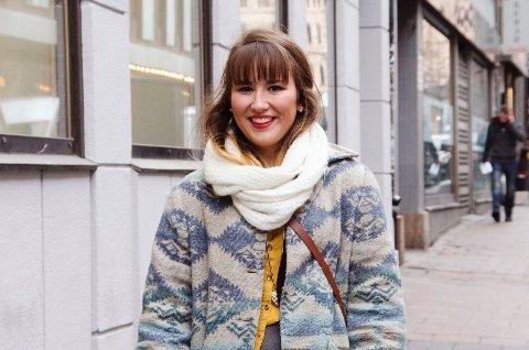– Jeg kler meg litt annerledes i forhold til de andre på skolen, sier Malene Viken Thams (17)