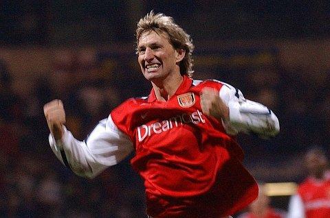 HJERTEOPERERT: Tony Adams, her fra hans 1000. kamp som Arsenal-spiller i 2002, ble nylig hjerteoperert.