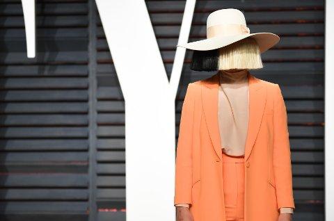 Sia tok grep da hun fikk vite at et nakenbilde av henne ble solgt på nett.