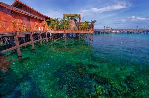 Bildet viser bungalower på malaysiske Semporna, som er ett av flere steder i Malaysia norsk UD fraråder reise eller opphold som ikke er strengt nødvendig.