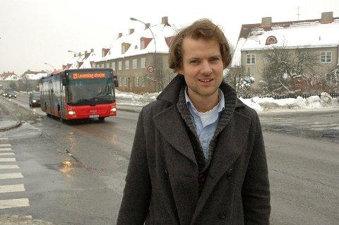 Anders Gravir Imenes og Miljøpartiet de grønne mener Miljøgate Sognsveien er et godt tiltak, men krever at også bitrafikken reduseres, ikke bare farten på bilene.
