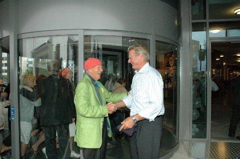 Eier Olav Thon og ordfører Fabian Stang var hjertelig til stede og åpnet Storo storsenter i august 2010. Senterets prestasjoner siden den gang mener Oslo Handelsstands forening kvalifiserer til «Årets Handels- og Servicebedrift»-nominasjon.