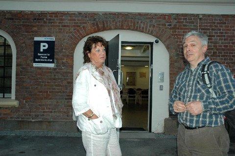 Bydelsdirektør Mona Taasen og BU-leder Bent Gether-Rønning er fortvilet over situasjonen.