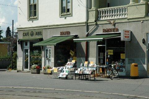 SOSIALT OG KULTURELT: Torsdag markerte flere hundre at John Colletts plass er en viktig kulturelt møteplass på Ullevål.
