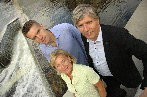 FOR SVØMMING: Erik Borge Skei (t.v.) og May-Brith Døssland i Nordre Aker Venstre, har fått gehør hos moderpartiet. Oslo Venstre går til valg på nytt svømmeanlegg i Nordre Aker, enten i Nydalen eller på Sogn.