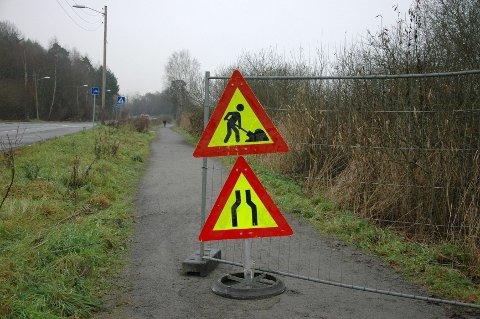 REHABILITERES: Turveien langs Østensjøvannet skal rehabiliteres der den oversvømmes av vann ved regnskyll.