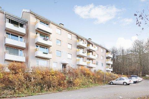 Det var i denne blokka i Lindeberglia at en bolig nå nylig ble solgt til godt over takst. Groruddalen får stadig nye salgsrekorder å vise til. I neste uke offentliggjøres nye boligtall. Følg med på dittOslo.no