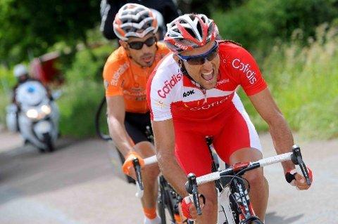 DAGENS BRUDD: Egoi Martinez (Euskaltel-Euskadi) og Luis Angel Mate (Cofidis) var duoen som store deler av dagen lå foran i teten. De to fikk på det meste 5:30 på feltet, men med cirka 15 kilometer igjen til mål ble de hentet av feltet.