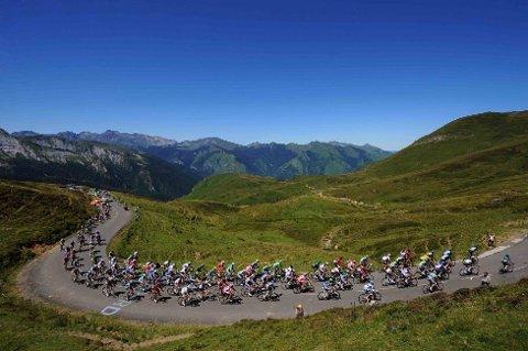 FLOTTE OMGIVELSER: Den 197 kilometer lange etappen mellom Pau og Bagnères-de-Luchon inneholdt fire kategoriserte stigninger (to høyestekategorier og to 1. kategorier).