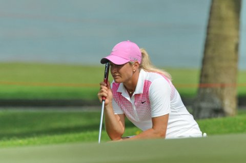 ETT SLAG UNDER: Suzann Pettersen ligger som nummer 12 i Singapore.