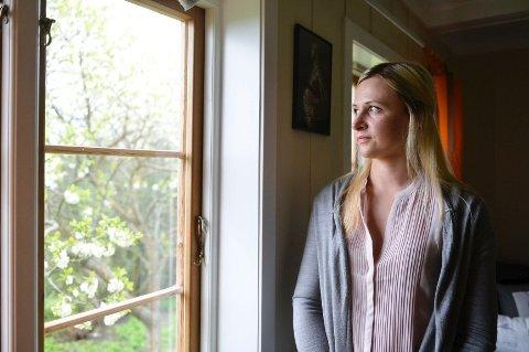 FOR LANG TID: Etter over tre år venter Jolita Matulaityte fortsatt på at de to som er siktet for drapet på hennes ektemann skal bli stilt for retten. - Jeg håper de snart får det de fortjener. Jeg synes det har tatt altfor lang tid, sier hun.