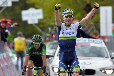 ANDRE SEIER FOR ÅRET: Pieter Weening jubler over sin andre seier i Giro d'Italia dette året.
