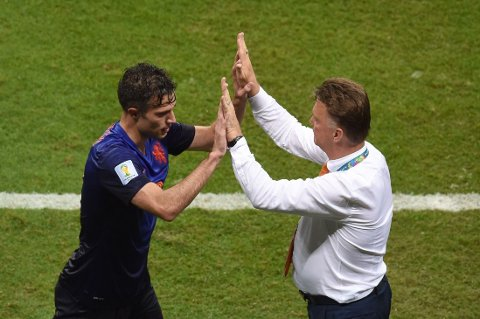 DUO: Louis van Gaal og Robin van Persie etter Spania-kampen.