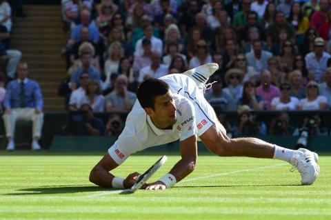 SEIERHERRE: Fem sett måtte til for å skille Novak Djokovic og Roger Federer i Wimbledon-finalen. Til slutt var det serberen som vant.