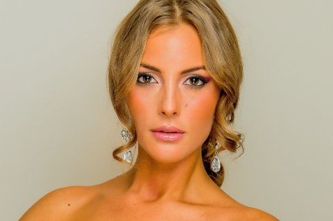 MONICA OLIVIA PEDERSEN skal kjempe om å bli «Miss World 2014».