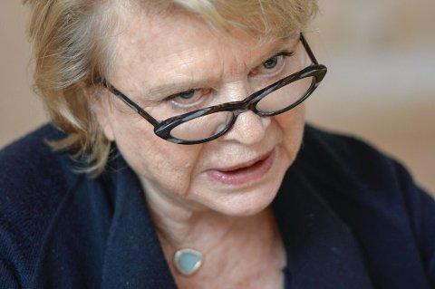 Den norsk-franske politikeren og juristen Eva Joly kjente flere av dem som ble drept i satiremagasinet Charlie Hebdo.