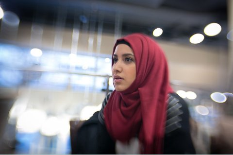 KVINNE OG MUSLIM: Faten Mahdi sier kvinner spiller en mer fremtredende rolle i norske moskeer enn det som er synlig for utenforstående.