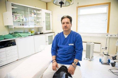 LEI AV KRiMINALITET-STEMPEL: – Jeg er lei av at vi som utfører kosmetiske operasjoner i underliv blir stemplet som kriminelle, sier Stefan Emmes ved Plastikkirurgisk Institutt.