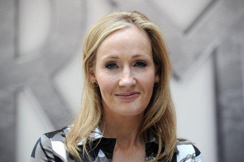 TAR IGJEN: Joanne Kathleen Rowling lar seg ikke pelle på nesen så lett.
