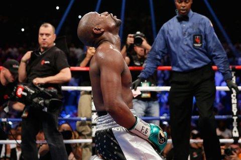 ENSTEMMIG AVGJØRELSE: En enstemmig dommeravgjørelse ga Floyd Mayweather seieren over Andre Berto i Las Vegas lørdag kveld.
