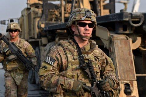BLIR VÆRENDE: De amerikanske styrkene i Afghanistan blir værende.