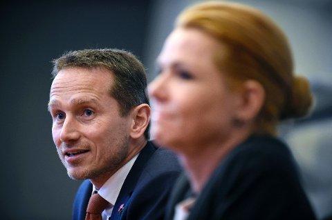 VIL GJERNE BIDRA: Allerede i november sa Danmarks utenriksminister Kristian Jensen at Danmark vurderte å sende F-16-fly til Syria for å delta i kampen mot IS.