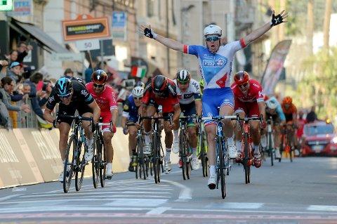 DEMARE: Arnaud Demare vant spurten om seieren i Milano - Sanremo.