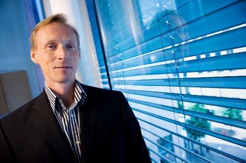ADVARER: Seniorøkonom Kyrre Aamdal i DNB Markets mener det er en viss risiko for at et omslag i boligmarkedet kan føre til at husholdningene må stramme mye mer til.