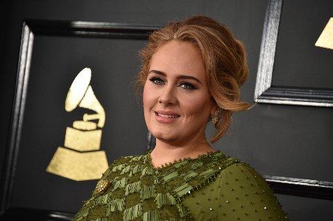 DELTE GRAMMY I TO: Adele vant fem Grammy-priser og delte en for å gi halvparten til Beyoncé.