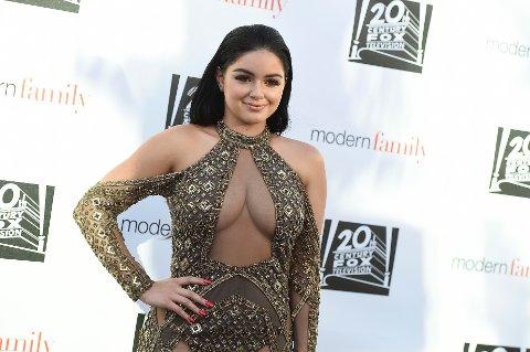 Ariel Winter knipset under et Modern Family-event i Los Angeles i begynnelsen av mai. Hun har rollen som Alex i TV-serien.