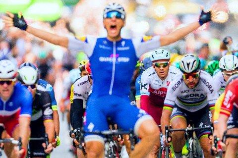 TETT KAMP: Alexander Kristoff fikk det tøft mot de andre spurtspesialistene på årets andre Tour de France-etappe.