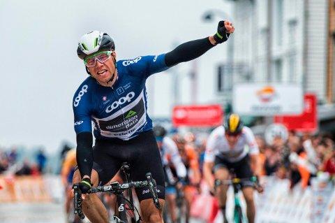 TRIUMFATOR: Edvald Boasson Hagen sikret seg seieren sammenlagt på sisteetappen til Stavanger i 2017-utgaven av Tour des Fjords.