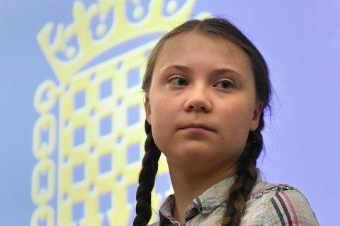 16 år gamle Greta Thunberg får Amnestys høyeste pris for hennes «unike lederskap og mot til å kjempe for menneskerettigheter». Her fra tidligere i år da hun fikk et æresprofessorat i Belgia.