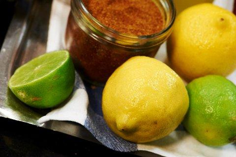 Klorpyrifos er funnet i økologisk dyrket lime fra Colombia.