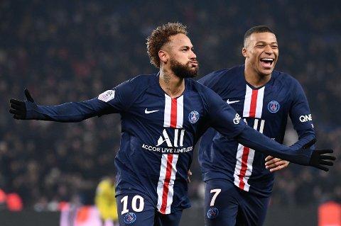 AKTUELLE FOR SALG? Neymar (til venstre) og den unge angrepskompanjongen Kylian Mbappe ryktes stadig vekk bort fra Paris Saint-Germain. Her fra kampen mot Nantes på Parc des Princes i forrige uke.